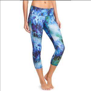 Athleta Blue Bloom Chatarunga Capri Leggings